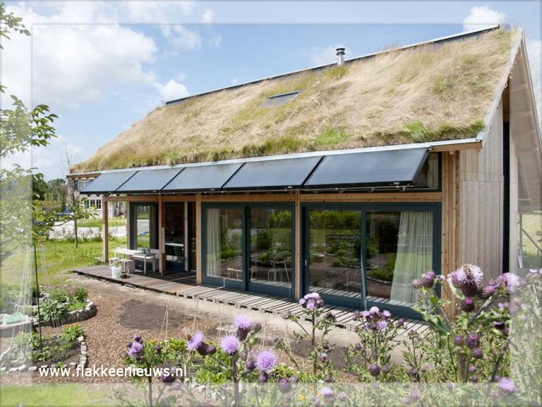 Eerste volledig duurzame huis staat in dirksland flakkeenieuws goeree overflakkee - Huis architect hout ...