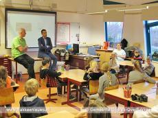 Foto behorende bij Wethouder in de schoolbanken voor gastles (zwerf)afval
